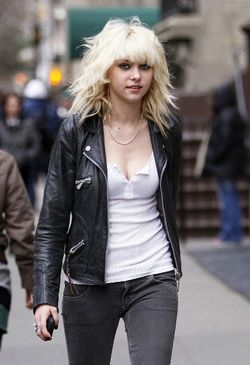 Taylor-momsen-rock-chick-2