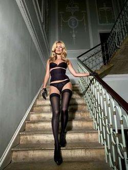 Kate_moss_stairs_narrowweb__300x400,0