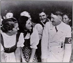 Adolf-Hitler-Funny-Pictures-8