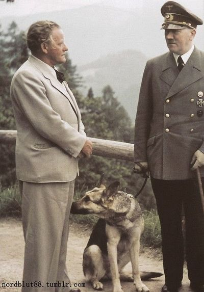 Hitler_Blondie_and_Josef_Thorak