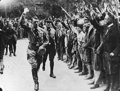 Hitler vv