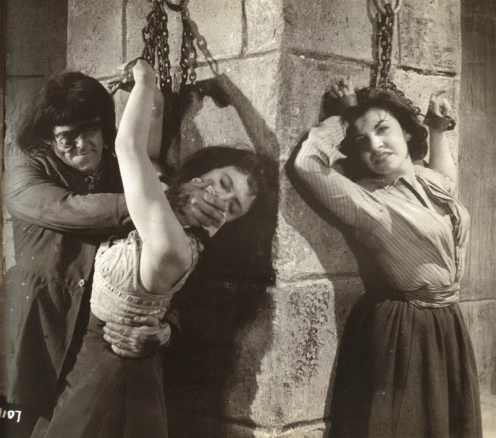 Blood-censored-women-in-chains